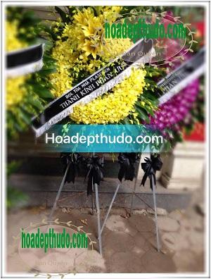 Vòng hoa kiểu sài gòn sử dụng 100% lan vàng nhập từ thái lan
