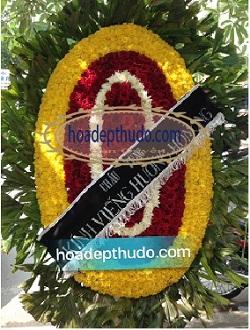 vòng hoa tại nhà tang lễ 354