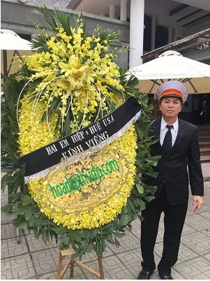 vòng hoa tang lễ ở hà đông