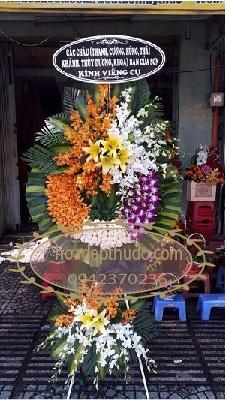 Vòng hoa VHTL541